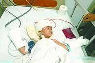 2岁女童坠楼 幸遇24小时爱心接力救治
