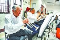乐团平均年龄69岁 十九年公益演出百余场