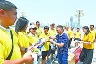 长江救援志愿队高温下坚守两江四岸