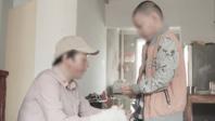 黄奕探望意外烧伤儿童:接纳是对生命的第二次拯救