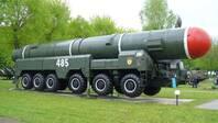 梅德韦杰夫:俄美已就《新削减战略武器条约》延长五年达成协议