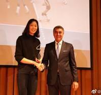 朱婷入选2018年最佳排球运动员!