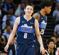 丁彥雨航披NBA球衣的第一分