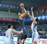 CBA-广东客擒四川豪取14连胜 阿联22+10