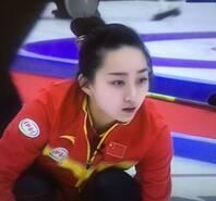 中国冰壶新女神晒美照走红