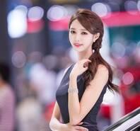 韩美女车模似小范冰冰 前凸后翘上围傲人