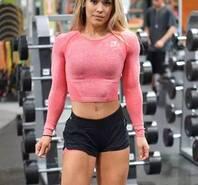 她靠健身年入200万 却坚持工地搬砖