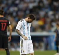 凤凰直击-门将短路送失误 阿根廷0-3克罗地亚惨败