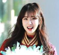韩国国民女神走红 天使面孔+魔鬼身材