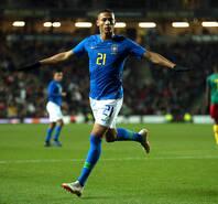 巴西1-0喀麦隆 理查利森破门内马尔伤退