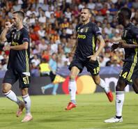 欧冠-C罗染红皮亚尼奇2球 尤文2-0