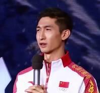 武大靖曾只是女队陪练 8年终夺冬奥金牌
