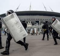为世界杯做准备!俄罗斯防暴警察模拟安全演习