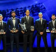 欧足联颁奖:范迪克成最大赢家 梅西最佳前锋