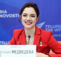 俄罗斯花滑女神喜提奥运大使 梅娃全程带笑演讲
