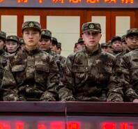 国乒军训全员参加,看看世界冠军们穿军装的样子