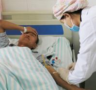 甘肅山地馬拉松傷者在醫院接受治療