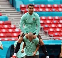 欧洲杯训练场上欢乐多 众将纷纷展示搞笑功力