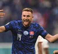 门将乌龙球员吃红牌 波兰1-2不敌斯洛伐克