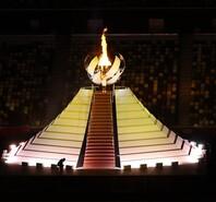 圣火点燃!大阪直美担任主火炬手 东京奥运会圆满开幕