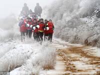 高原上的国足梦 冒雪集训想代表中国队参赛