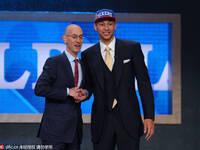 2016NBA选秀-76人状元签选西蒙斯