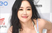 韩女星拍健美写真 弯腰狂秀巨乳