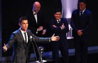 C罗压梅西内少蝉联FIFA足球先生