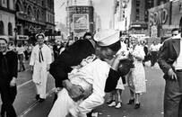 20世紀最經典的一張照片,卻是攝影師造假?50年后老兵說出真相