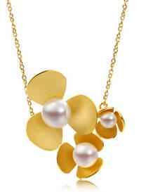 九月你需要一件温润的珍珠首饰