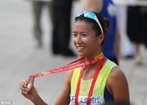 2015北京马拉松:世锦赛竞走冠军刘虹获第九名