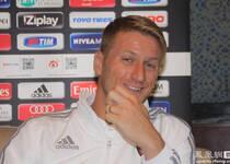 凤凰体育独家专访米兰飞翼: 新赛季目标进欧冠