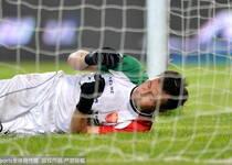 足协杯-德扬争议扳平埃尔顿点杀 国安2-1逆转深足