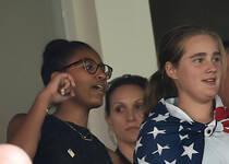 奥巴马女儿观看世界杯 现场见证美国夺冠