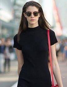 天气渐凉该穿小黑裙啦 何况它与我的小白鞋那么搭