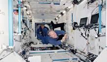 《太空飞行课》:真实的太空生活是怎样一种体验?