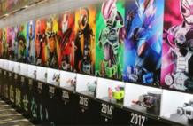 日本现平成假面骑士展览墙 历代骑士登场效果炫酷