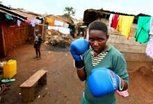 贫民窟里的女拳手