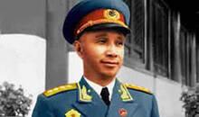 粟裕如何评论旁人说他1955年该被授予元帅军衔