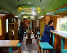 探访绿皮火车里的众创空间(组图)