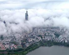 烟雨蒙蒙 南京城云雾缭绕似仙境(组图)