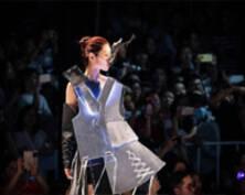 南京艺术学院毕业生时装秀 气场十足堪比时装周