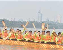 玄武湖打造龙舟运动基地 14支队伍龙舟竞渡(组图)
