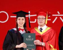 南京三所高校的毕业典礼现场:惊喜不断