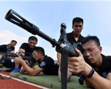 汗水与坚守 直击高温下的南京公安(组图)