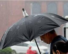 南京暴雨来袭 未来几天都将秋雨绵绵(组图)