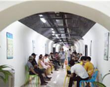 南京开放防空洞供市民纳凉(组图)