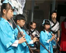 苏州戏曲走进学校 学生传承传统文化(组图)
