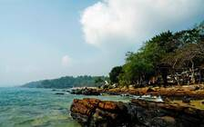 泰国沙美岛一艘快艇倾覆 23名中国游客落水2人受伤