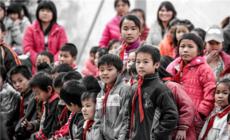 为爱而来 索菲亚与学霸创始人陈若琳的公益特别行动